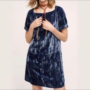 Floreat Anthropologie crushed velvet shift dress